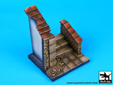 Blackdog Models 1/35 CORNER WITH WOODEN GATE Resin Display Base