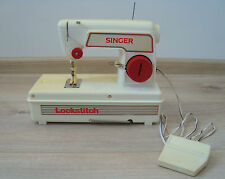 Vintage Old English SINGER Sewing Machine toy bat.op. Made in 1980's