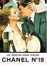 PUBLICITE ADVERTISING 104  1982  CHANEL N°19   parfum plein d'élan