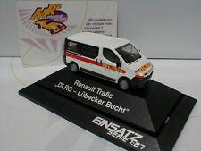 """Rietze 51386 # Renault Trafic año de construcción 2005 """"DLRG Jacobo bahía"""" en blanco 1:87"""