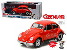 1967 VOLKSWAGEN BEETLE WITH GIZMO FIGURE GREMLINS MOVIE 1/18 BY GREENLIGHT 12985