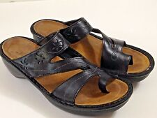 Women's NAOT Sandals Shoes Toe Loop Tooled Black Leather SZ 41 US 10