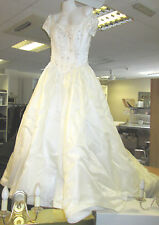 Wedding Dress Ivory Diamond Collection - size 8- Elegant Train  Plus Free Veil!
