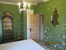 Chinoiserie Handpainted Silk Wallpaper: Grand View Garden in Goldness