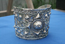Heavily Decorated Etruscan Italian 800 Silver Armband Cuff Bracelet Marked 84 FI