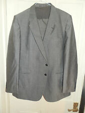 ST MICHAELS GREY SUIT CHEST 44 R, WAIST 40, IL 31  & L 42  RARELY USED