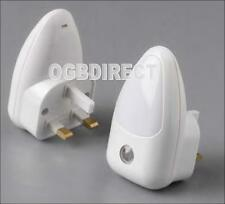 2x Automatic LED Plug Night Light Bedroom Bed Room Auto