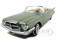 1960 CHRYSLER 300F GREEN 1:18 DIECAST MODEL CAR BY ROAD SIGNATURE 92748
