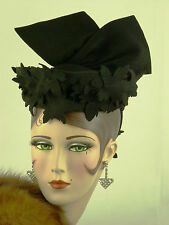 VINTAGE HAT 1930s BLACK FELT TILT TOPPER ELABORATE FELT CUT WORK & HUGE WING BOW