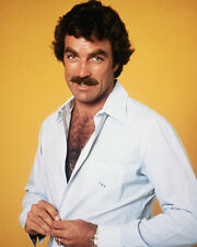 Selleck, Tom [Magnum PI] (31199) 8x10 Photo