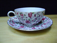 Vintage Yada China Cup and saucer - Red Roses With Gold Trim