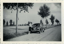 PHOTO ANCIENNE - VINTAGE SNAPSHOT - VOITURE AUTOMOBILE RENAULT 4CV FEMME - CAR