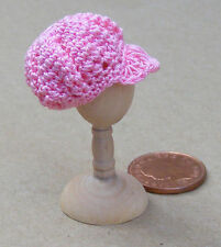 1:12 Scale Ladies Pink Crochet Hat Dolls House Miniature Clothing Accessory T1
