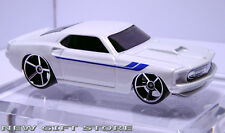 RARE 69~70 1969~1970 WHITE FORD MUSTANG BOSS DISPLAY MODEL TOY CAR NEW VOITURE