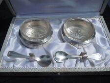 Paire de salerons en cristal cuillères métal argenté Orfèvrerie H F Paris France