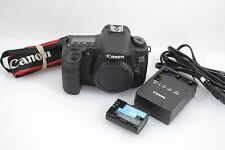 MINT- CANON EOS 60D 18MP DIGITAL SLR BODY, ONLY 412 ACTS! GORGEOUS!