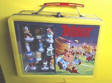 FEVES COFFRET COLLECTOR    ASTERIX CHEZ LES BRETONS  - VALISE METAL - NEUF