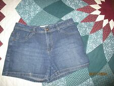 St. John's Bay stretch women's sz 10 petite blue denim shorts