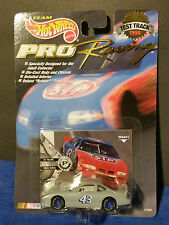 1998 HOT WHEELS Racing #43 BOBBY HAMILTON Test Track Car Nascar Rubber Tires