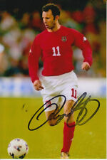 WALES HAND SIGNED RYAN GIGGS 6X4 PHOTO.