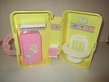 CABBAGE PATCH DOLL YELLOW LOVE N AND GO NURSERY HIGH CHAIR KITCHEN CARRY CASE