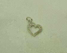 LOVE IS IN THE AIR! 10K WHITE GOLD DIAMOND HEART PENDANT/CHARM N87-X