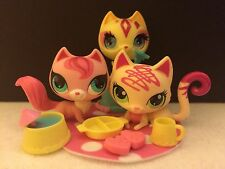LITTLEST PET SHOP # 3385/2747/TRICKS FANCY KITTY CATS W/ACCESSORIES