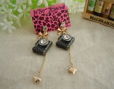 E387 BETSEY JOHNSON SLR Camera Photographer Dangling Gold Heart Earrings US
