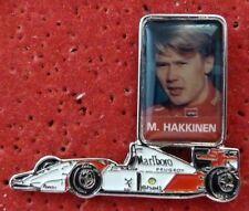BEAU PIN'S F1 FORMULA ONE MC LAREN PILOTE MIKA HAKKINEN