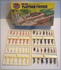 Airfix 48 Platform Figures Exceptional Plastic Kit H0/00 Part Painted