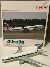 HERPA WINGS 1:500 Alitalia Boeing B777-200. 506618.