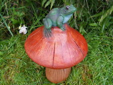 Latex mould of a frog on toadstool