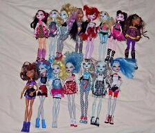 Monster High Doll Lot of 15 with Clothes All Hands Legs Most with Shoes Earrings
