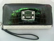 EUC- GUESS CLARKSVILLE LARGE ZIP AROUND WALLET WRISTLET BLACK CLUTCH *SHIPS FREE