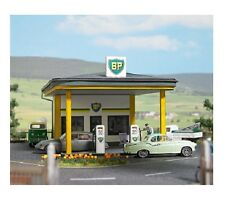 Busch 1577 Classic BP Gas Station Plastic Kit - HO Scale  Tracked 48 Post
