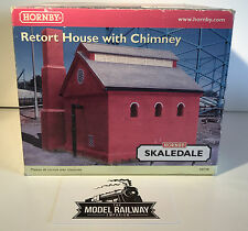 Hornby SKALEDALE - R8738 - RETORT HOUSE W/CHIMNEY - BOXED - MINT - PREOWNED NICE