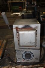 THERMOLYNE 2000 MUFFLE FURNACE