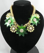 BEAUTIFUL YELLOW GREEN AND GOLD FLOWER DESIGN STATEMENT NECKLACE