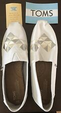 TOMS WOMEN CLASSIC CANVAS SLIP-ON SHOES AUTHENTIC NEW Burlap Embroidery W9 WHITE