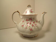 "PARAGON ENG CHINA TEA  POT ""VICTORIANA ROSE"" STANDS 8 TO TOP OF LID EXC COND!!!"