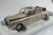1/18 Rolls Royce Phantom VI Landaulet Champagne model LIMITED