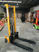 Brand New 1.0T Manual Stacker/Lifter Lifting 1600mm