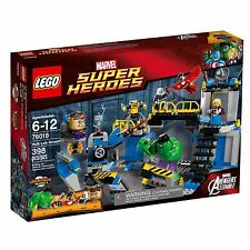 New in selaed/slightly creased box LEGO 76018 Super Heroes Hulk Lab Smash