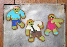 NEW - FRED & FRIENDS NOVELTY ZOMBIE SHAPED COOKIE BISCUIT CUTTERS  UNDEAD FRED