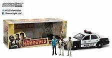 12911 1:18 GreenLight - Ford Crown Vic Police - The Hangover - w/3 Figures