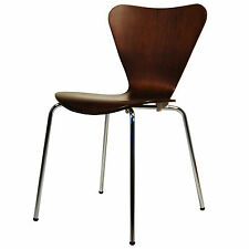 Lot de 4 arne jacobsen série 7 chaises empilables en noyer