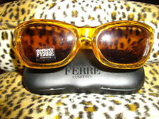NEW GENUINE FAB * FERRE *  AMBER CAT EYE PLASTIC FRAME 'FERRE' ARM SUNGLASSES