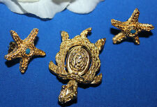 STRIKING CROWN TRIFARI SIGNED TURTLE PIN WITH SIMILAR SIGNED TM PIERCED EARRINGS