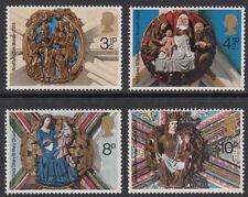 GB 1974 Navidad Iglesia techo jefes SG 966/969 Conjunto de 4 Mint estampillada sin montar o nunca montada