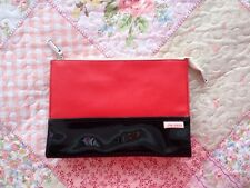 Shiseido Cosmetic Pouch Red/Black